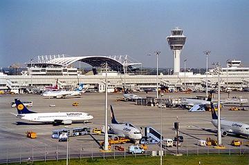 Anreise nach Bayern mit Flugzeug, Flughafen München, Nürnberg, Augsburg