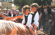 Kids-Special - Kids on a horseride